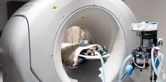Imagerie métabolique et fonctionnelle in vivo des tumeurs cérébrales par tomographie à émission de positons